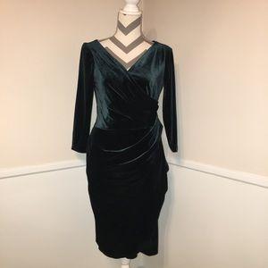 🎉BETSEY JOHNSON   green velvet dress.